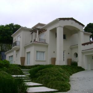 Residência Unifamiliar | Jardim Schafer, Curitiba - 340 m² construídos